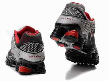 pretty nice bef21 86bde Chaussures Nike Shox TL3 Rouge  Argent  Noir Agrandir l image